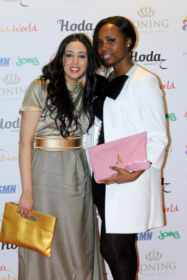 Spotted! Hoda Hamdaoui and Chanury Lacroes with The Beertje and the Lavinia Clutch!