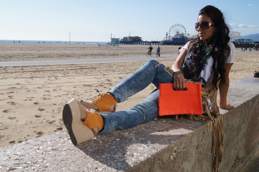 Arzu Aksoy spotted with her Zu and Beertje Clutches in Venice Beach California!
