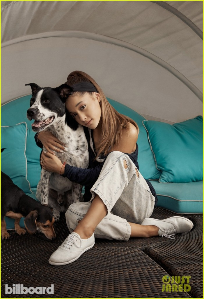 ariana-grande-pets-philantrophy-issue-02